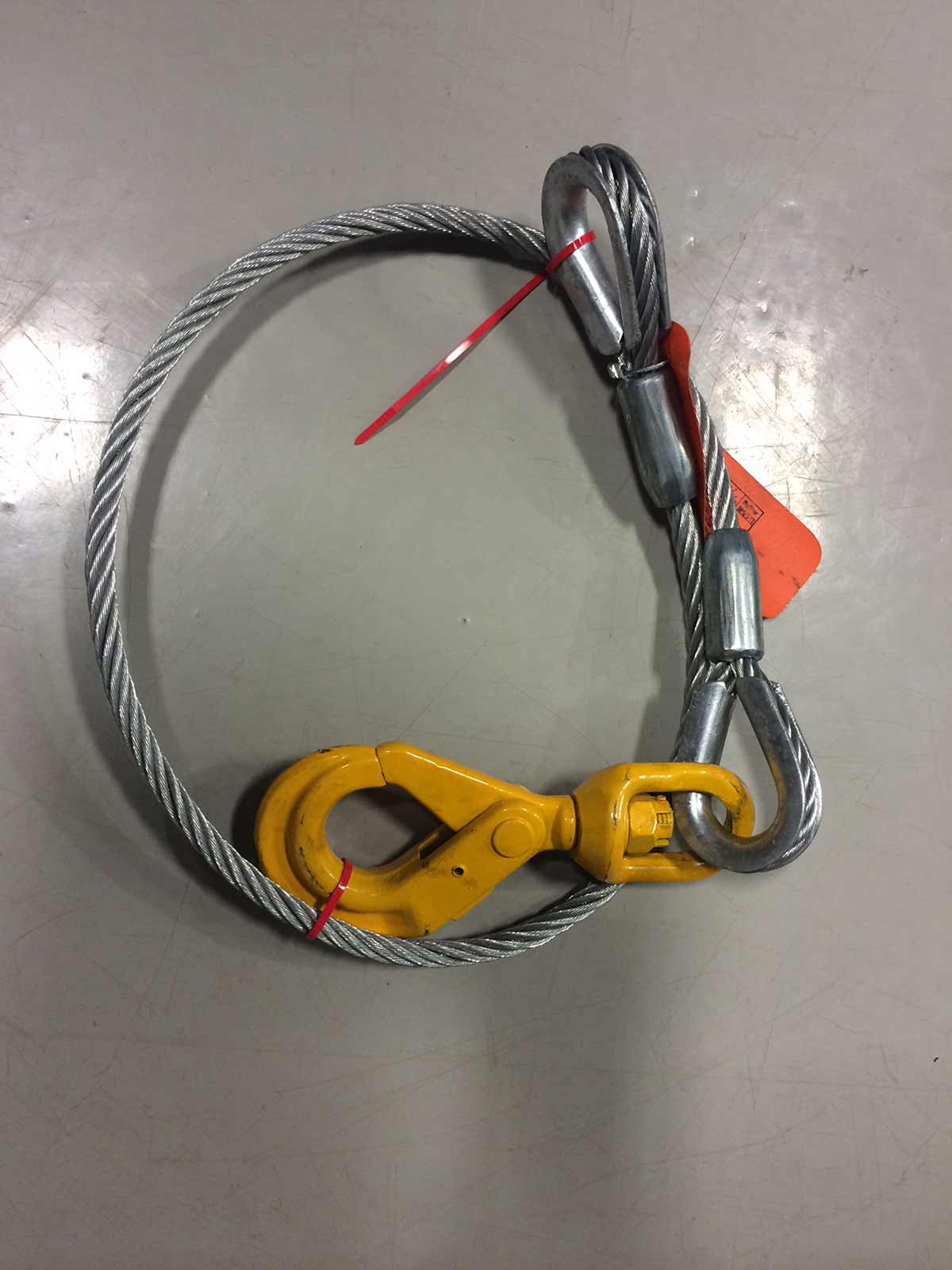 assemblage de câbles d'acier